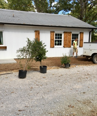 154 Periwinkle installing landscaping
