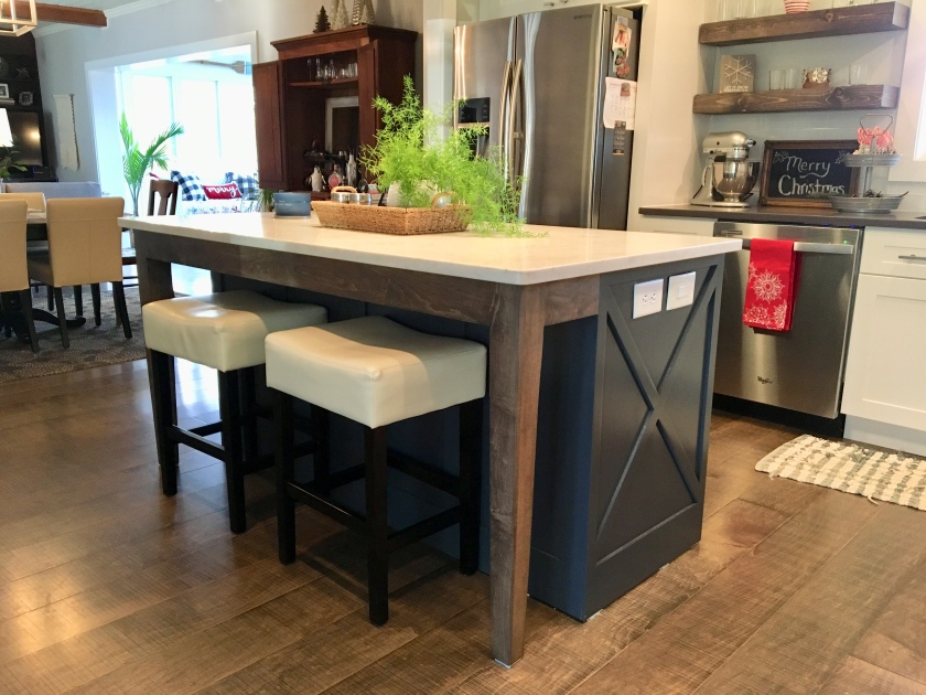 154 Periwinkle Lane kitchen Island