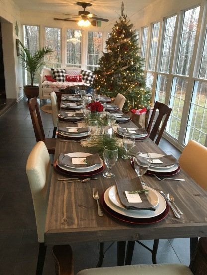 2017 Christmas sunroom table and tree